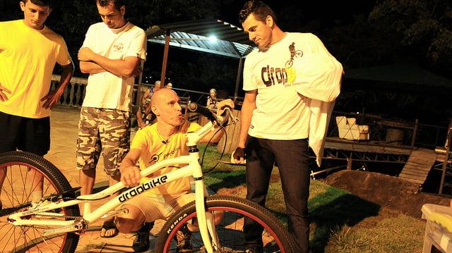 Edu Capivara e Cris Santos. Velhos amigos e incentivadores do Biketrial no Brasil