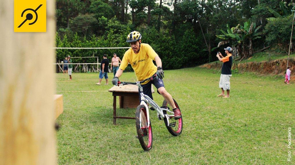 img-bikelar-edu-brincando
