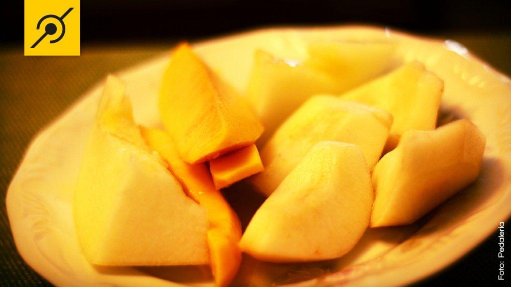 Comendo frutas depois do treino