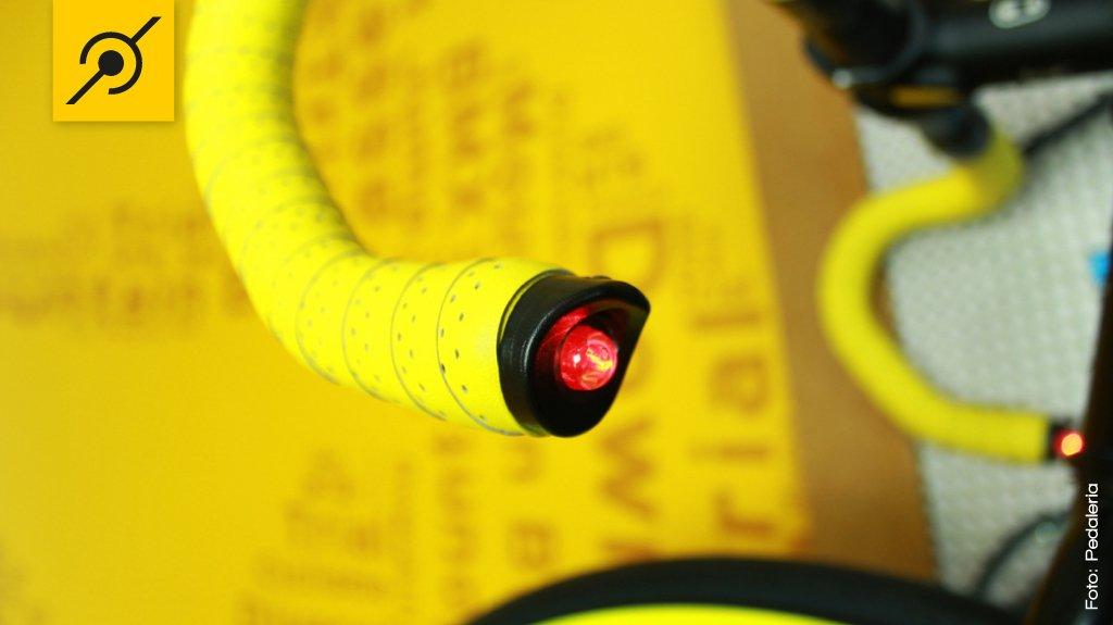 Lanterna no guidão tipo road bike