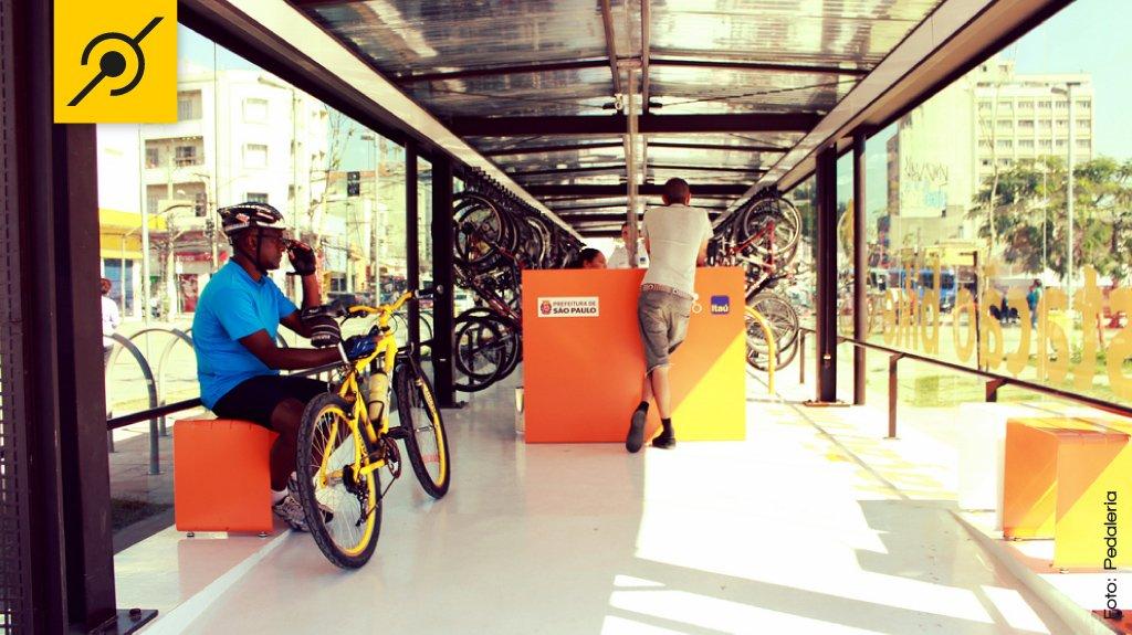 Bicicletário de Pinheiros, no Largo da Batata