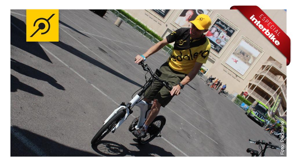 Interbike 2014 - Edu Capivara testando a bike
