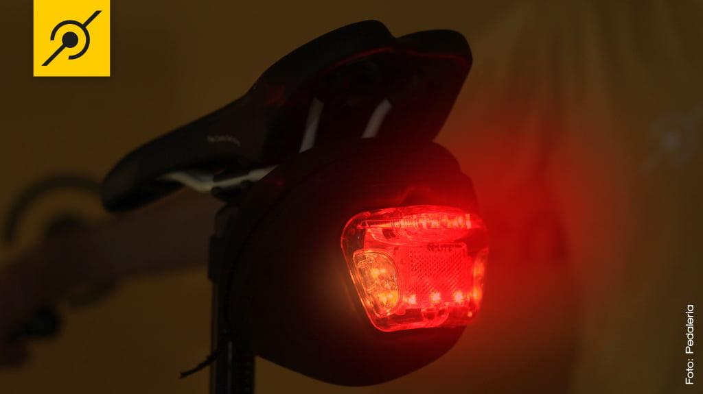 Lanterna para bicicleta - No escuro