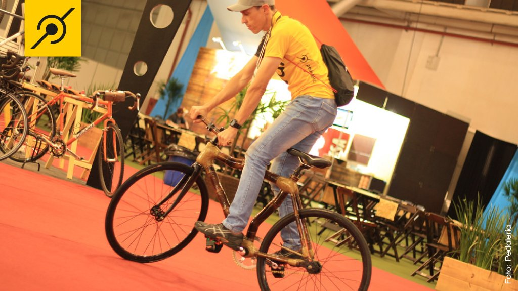 img-brazil-cycle-fair-bamboo-bike-edu-capivara