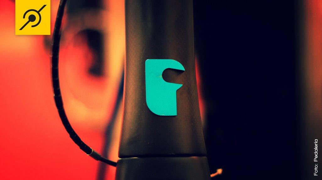 Frente da Fabike com o logotipo