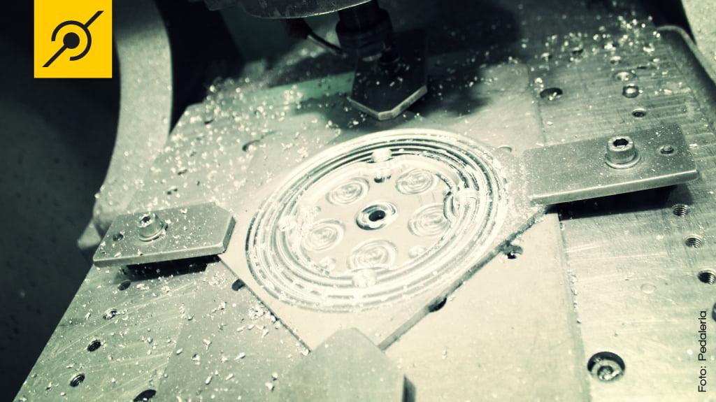 CNC trabalhando