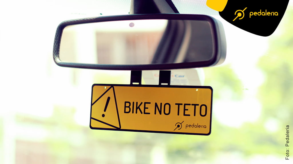 Crachá de retrovisor Bike no Teto da Pedaleria