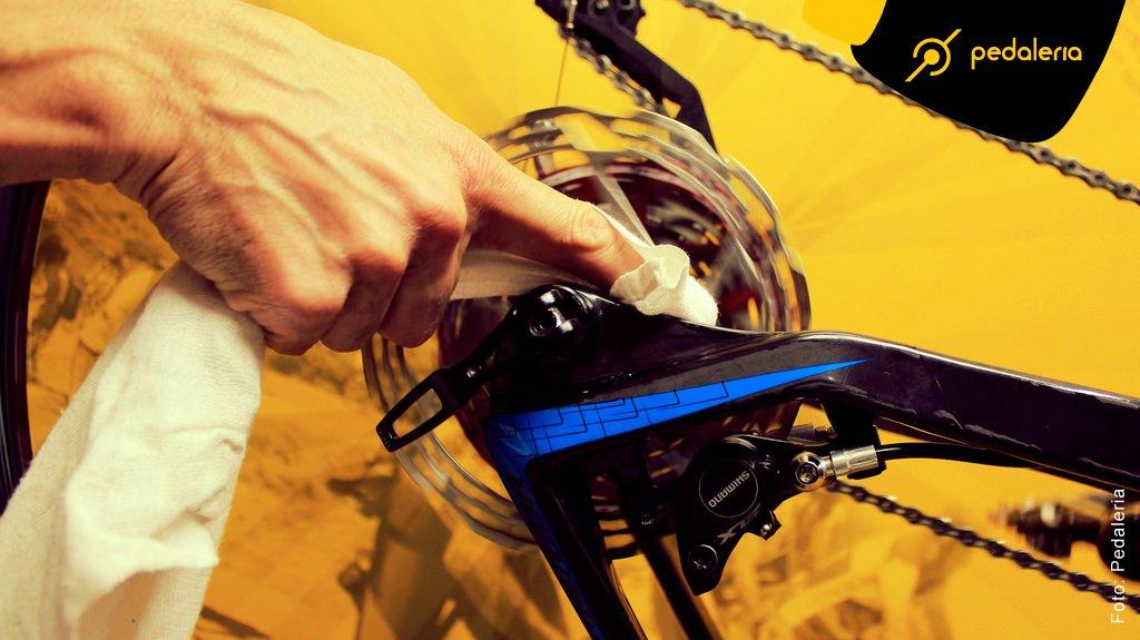 img_Acidentes_Limpando_a_Bike_02