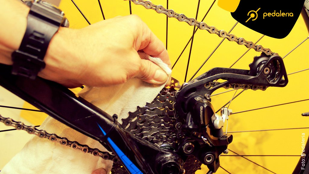 img_Acidentes_Limpando_a_Bike_01