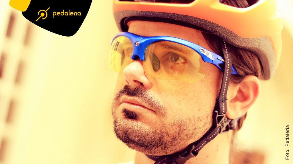 De olho no perigo! Óculos de ciclismo.   PedaleriaPedaleria b56bbb50db